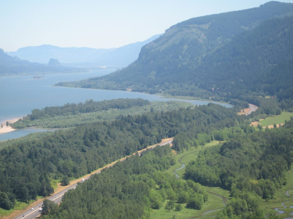 Columbia_River_Gorge_view