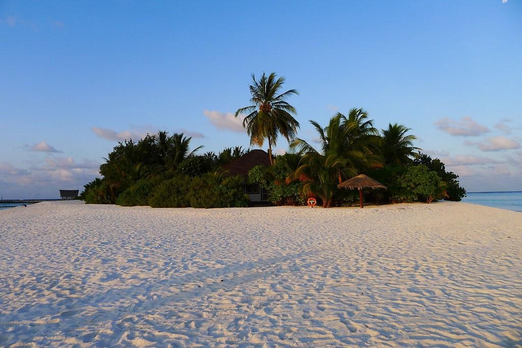 Атолл Дхаалу (Мальдивские острова)