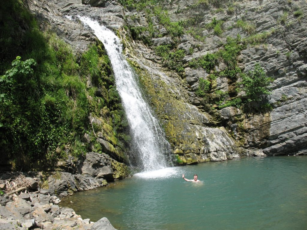 Водопады Змейка можно купаться