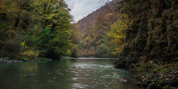 Ореховский водопад окружение