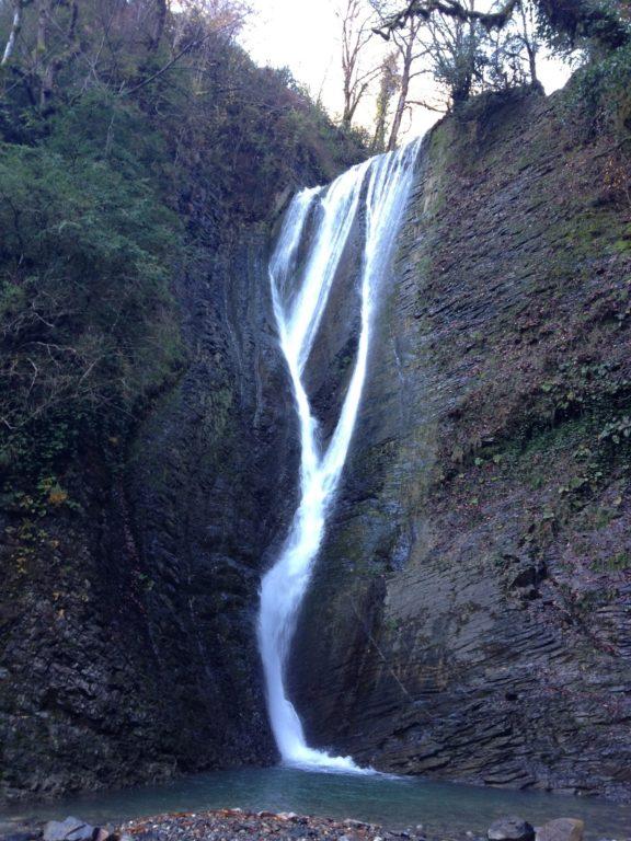 Ореховский водопад вид