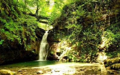 Ивановский водопад зрелище