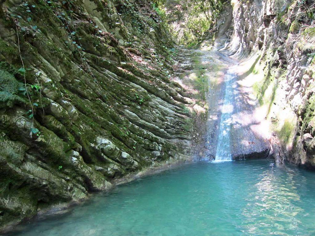 Ачипсинские водопад чудо красота