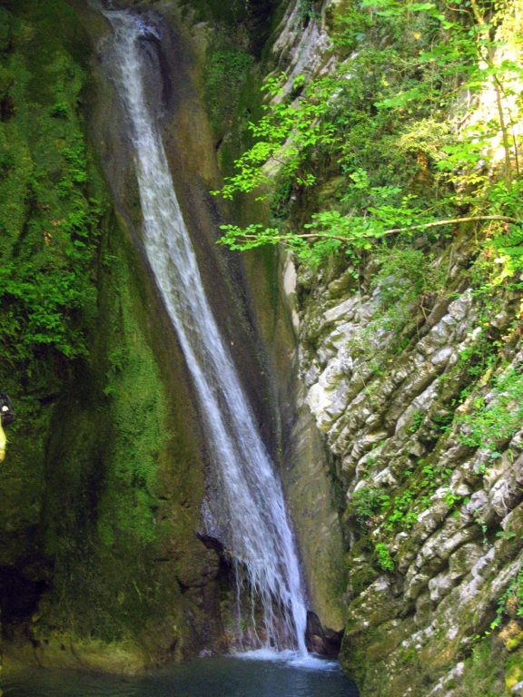 Водопад Чудо-Красотка окрестности