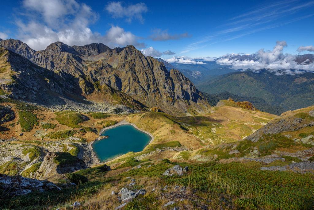 Голубое озеро в сочи