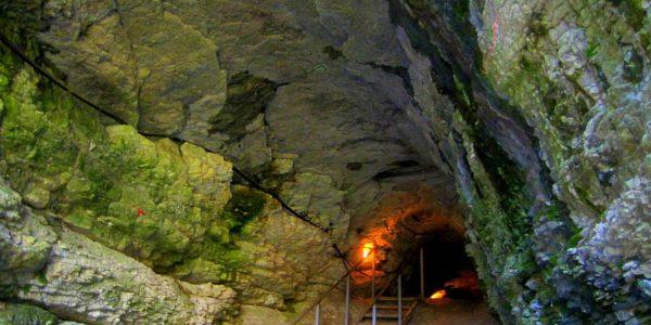 Ахштырская пещера вход в подземный мир