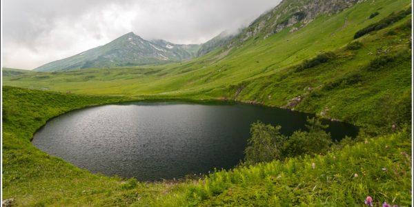Озеро зеркальное сочи