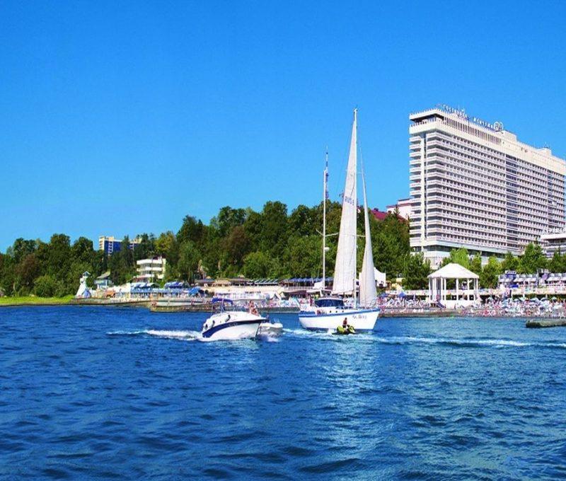 жемчужина сочи вид отеля с моря