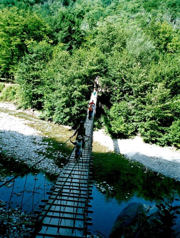 ДОЛИНА РЕКИ АШЕ Подвестной мост