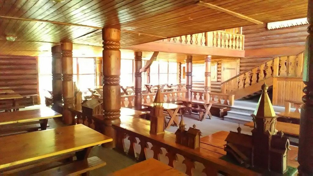 Внутри чайного домика в Сочи
