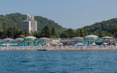 Пляж Спутник с яхты
